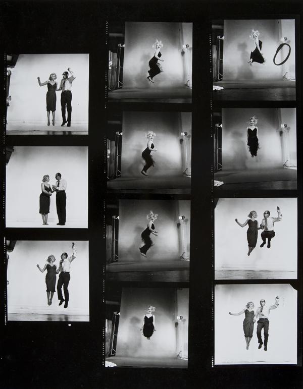 Marilyn Monroe jumping, 1959