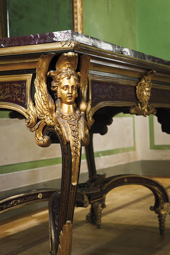 Tavolo da centro francese da modello di epoca luigi xiv for Modello di paese francese