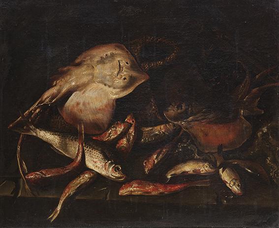 Triglie, razze ed altri pesci, un polipo, un cesto di vimini su un piano di pietra