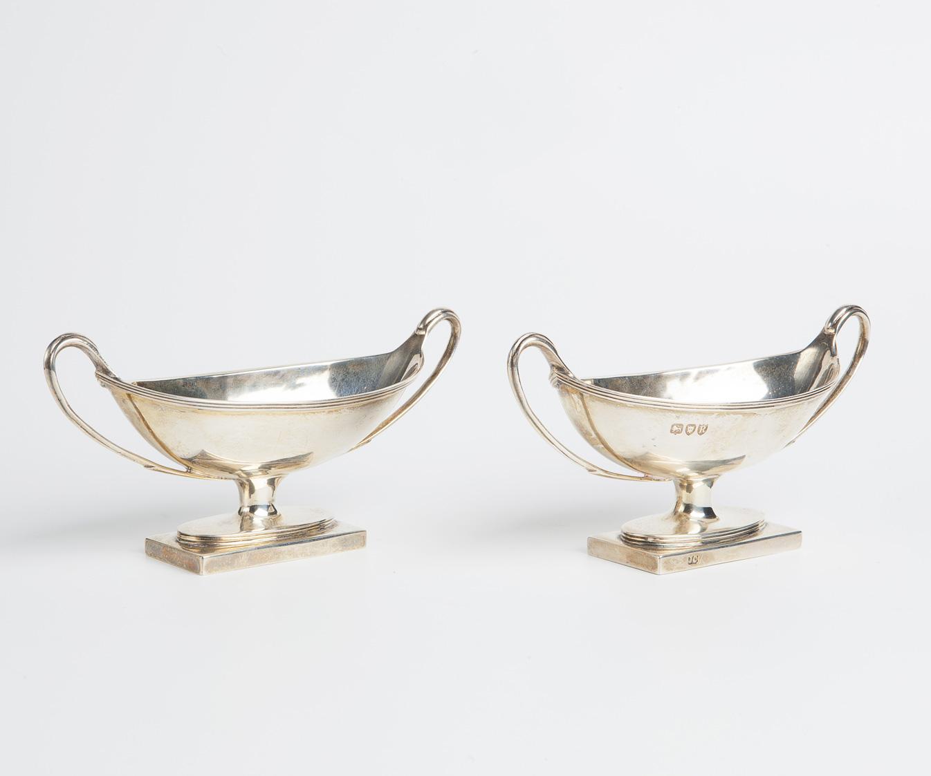Due salsierine in argento