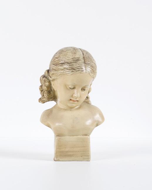 Testa di bambina in terracotta, siglato Ita