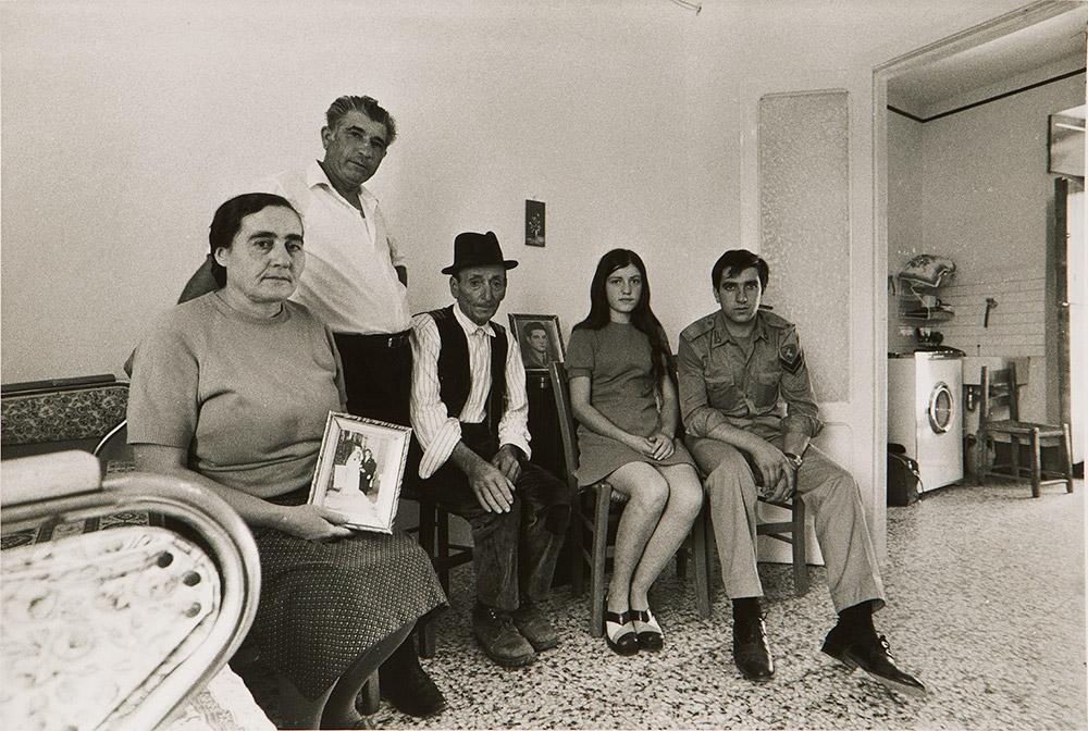 """Dai """"Ritratti reali"""", Tricarico (Basilicata), 1974"""