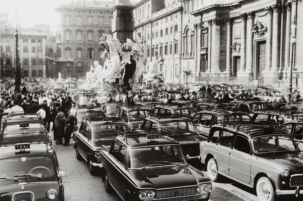 Manifestazione Taxisti a Piazza Navona, 1967