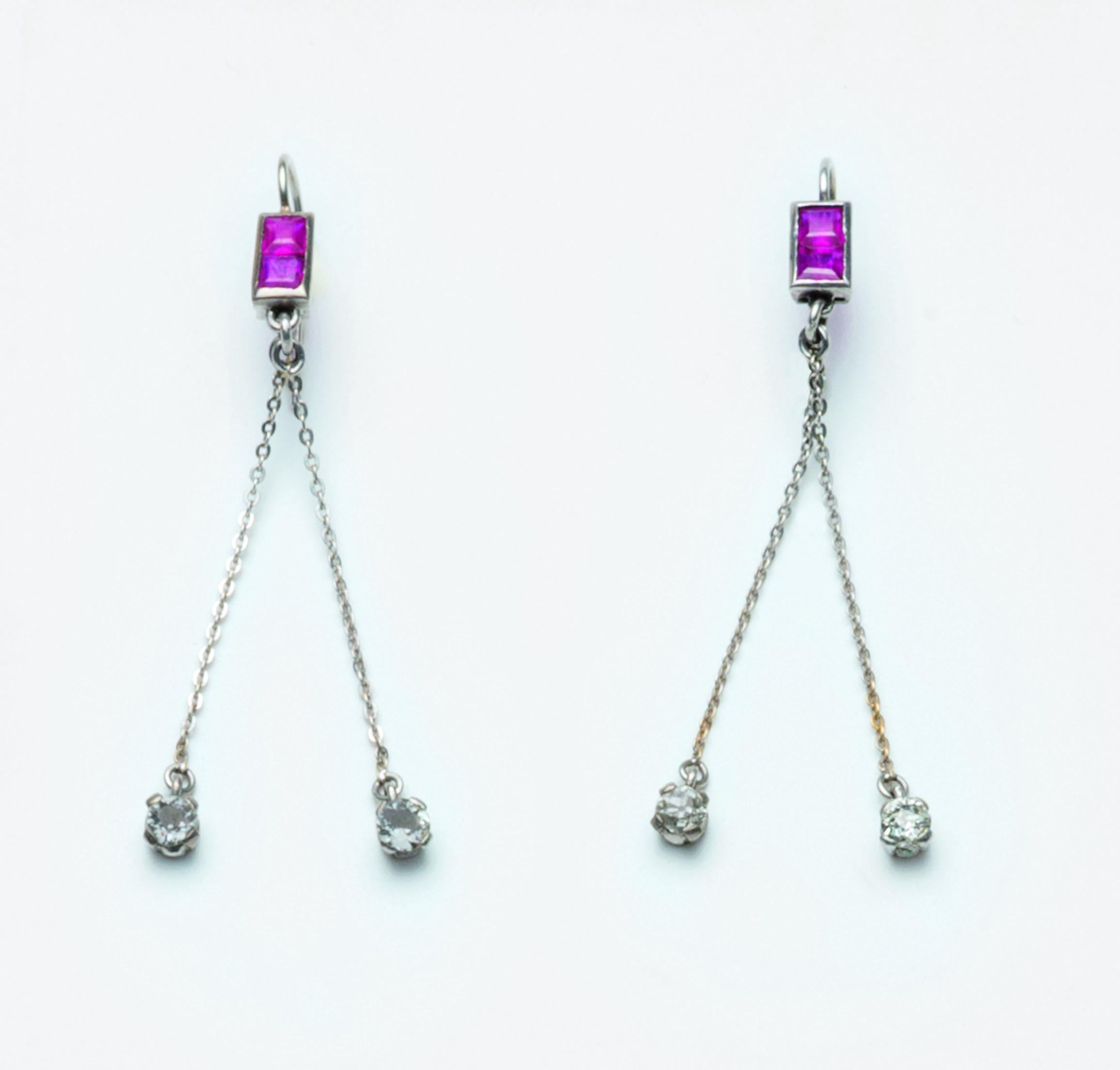 Orecchini pendenti in platino
