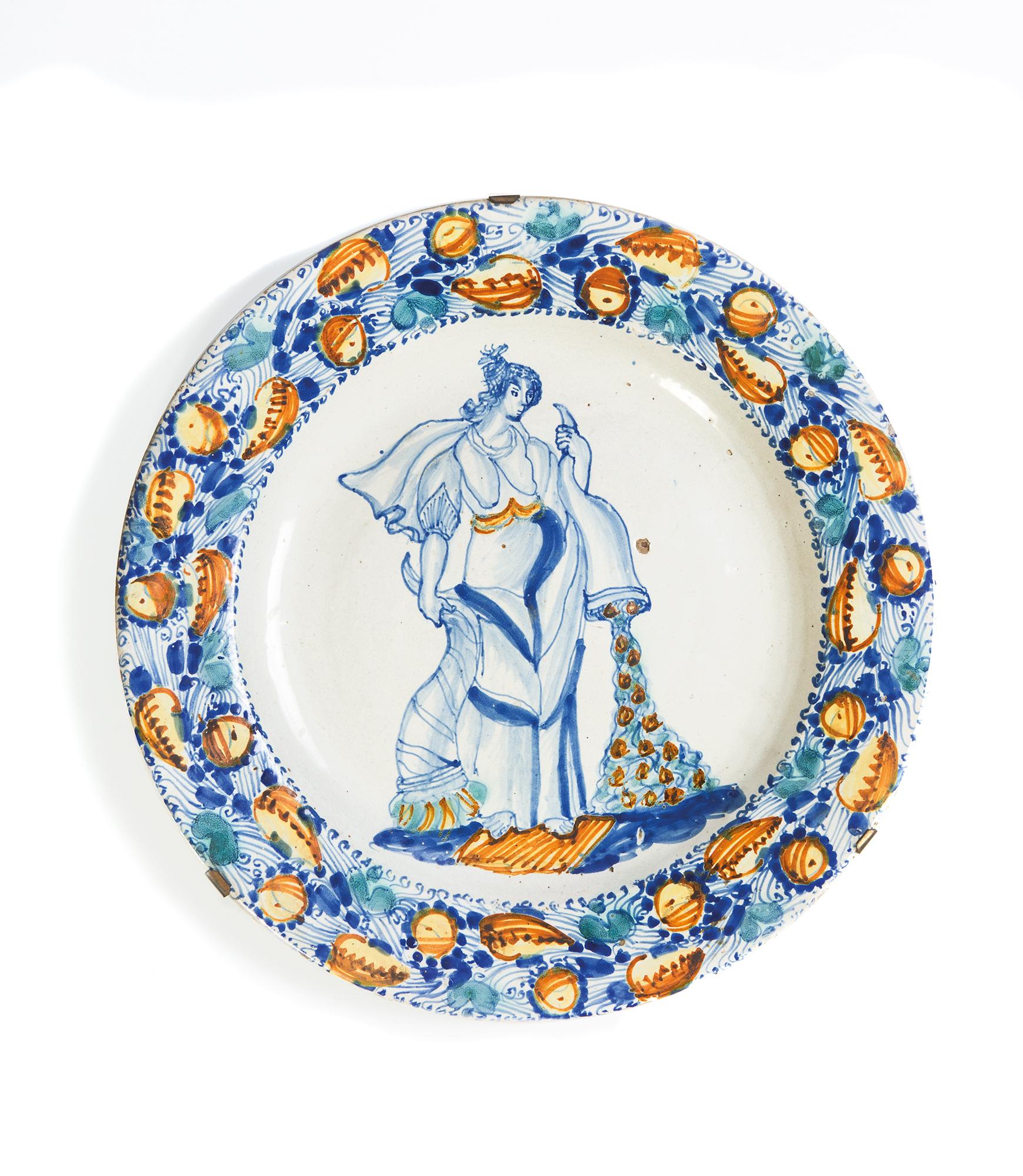 Coppia di piatti da parata in ceramica, Puglia secolo XVIII