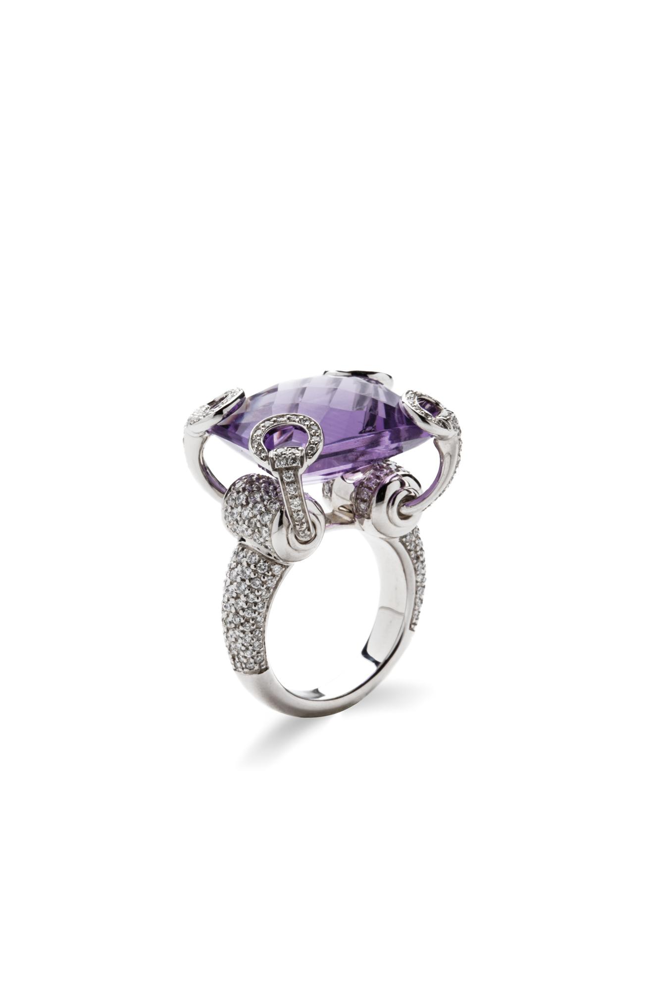 online retailer 5700c 11431 Anello in oro bianco ametista e diamanti
