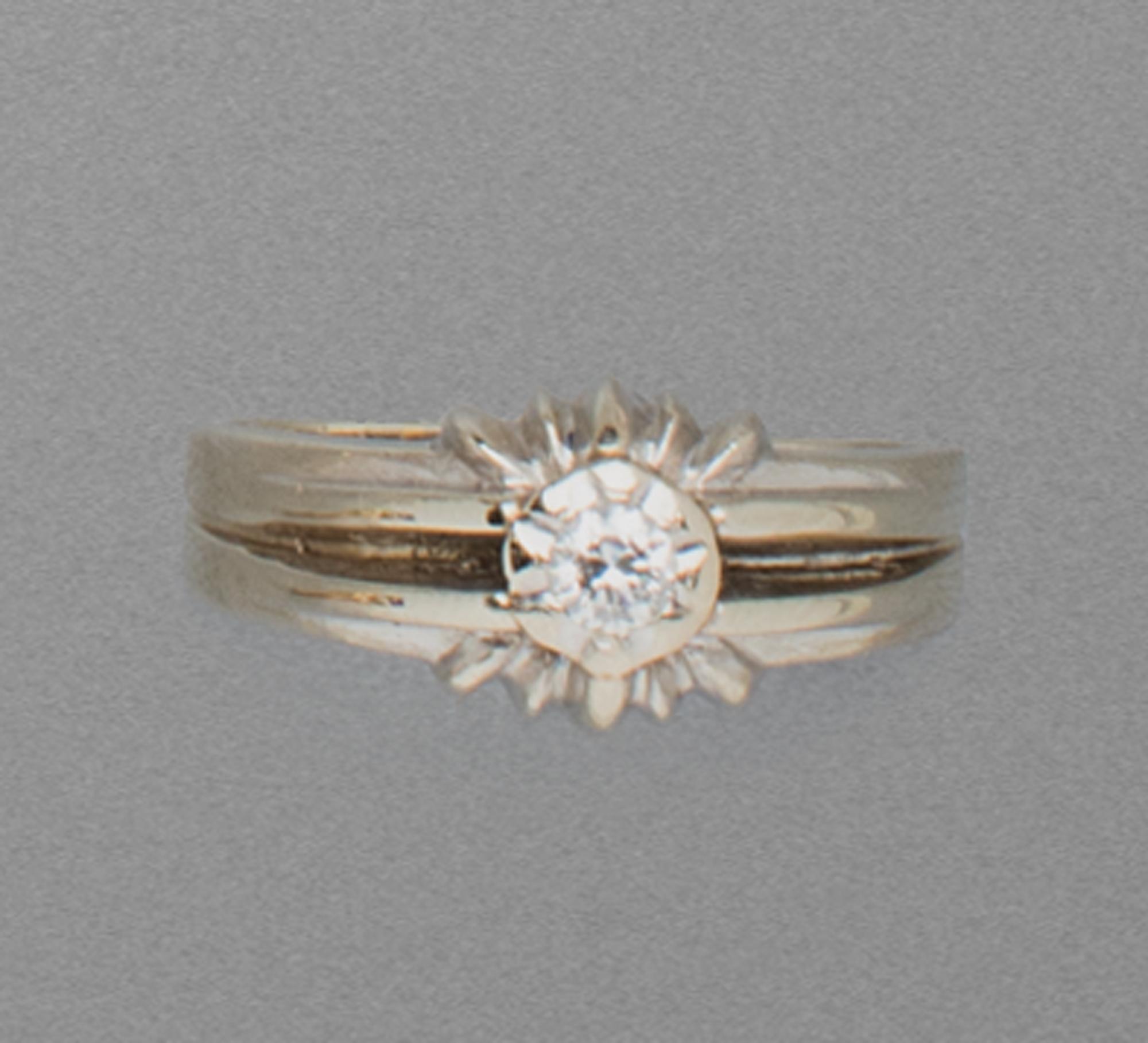 in oro bianco e diamante