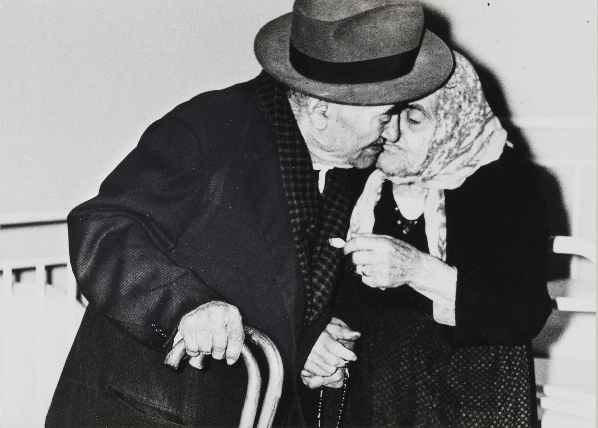 Verrà la morte e avrà i tuoi occhi, 1955/'57