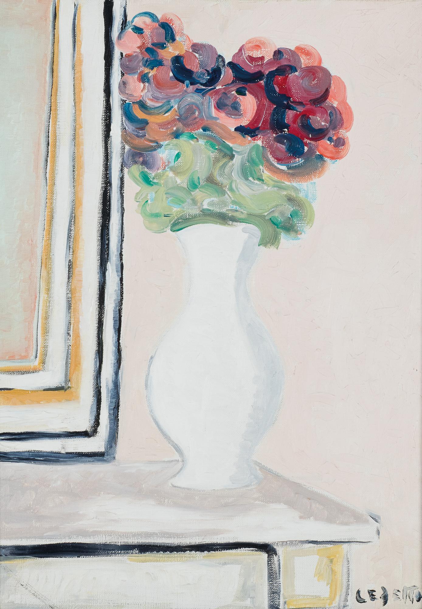 Fiori nel vaso bianco