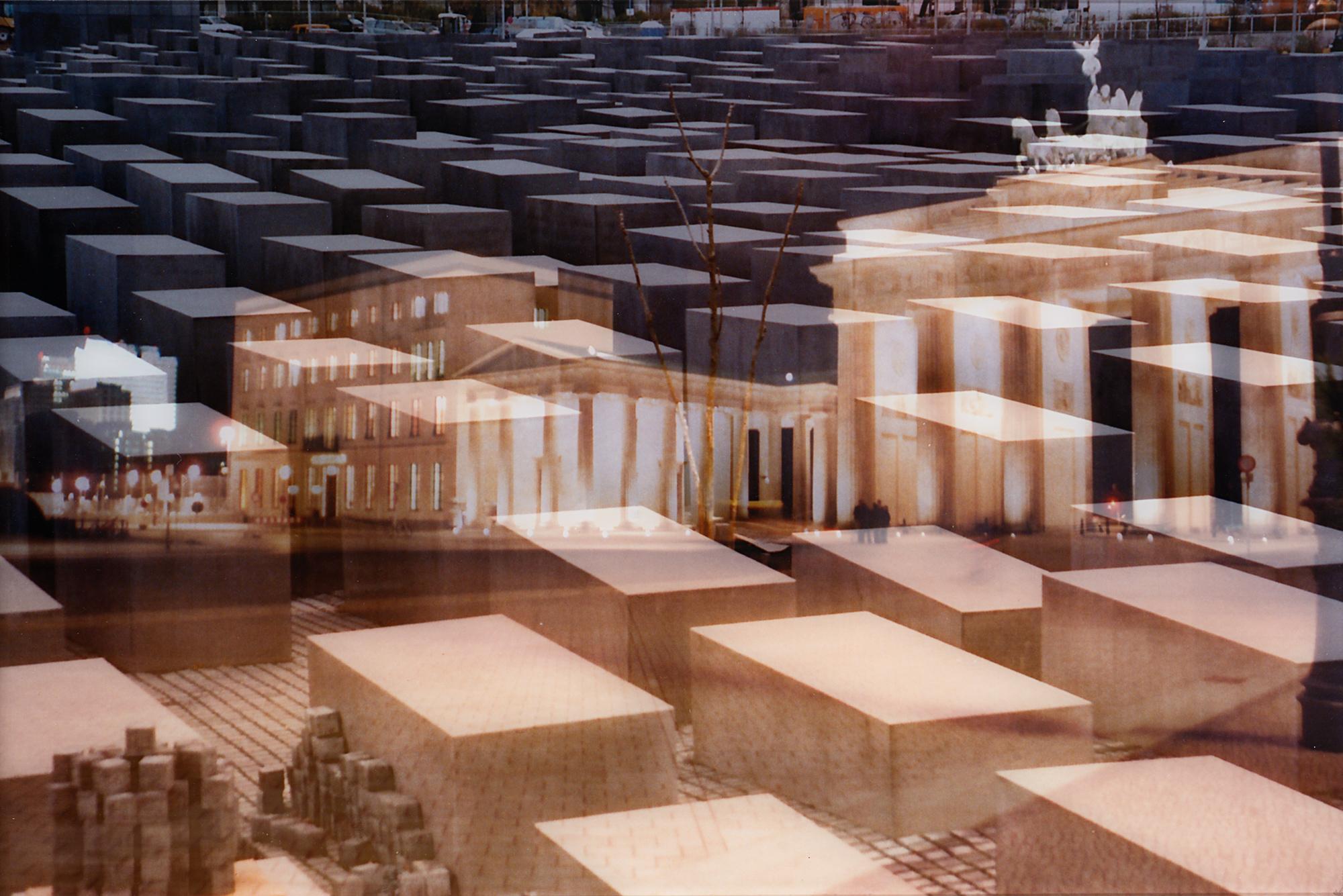 My Own Rave – Berlino (Porta di Brandeburgo + Monumento alle vittime dell'Olocausto), 2005