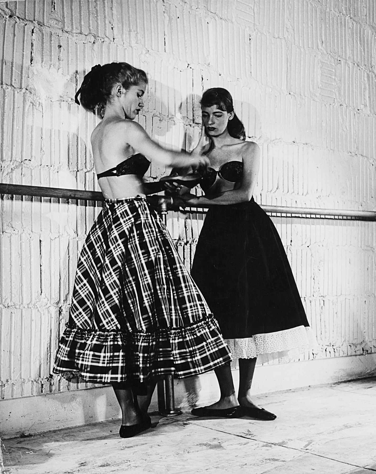 Il ritorno delle gonne larghe, 1948