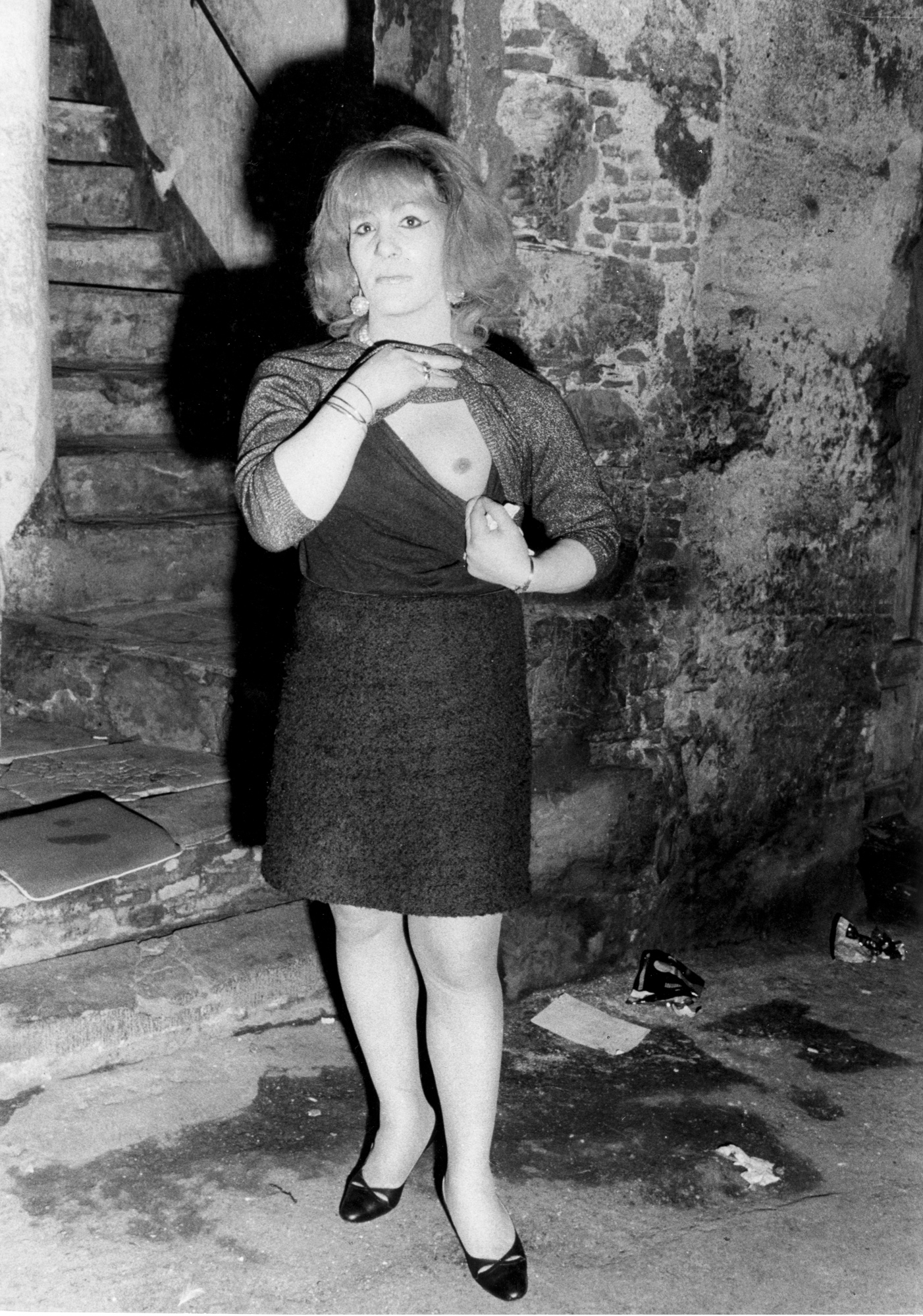 I travestiti – La Morena per la strada di Vico Fregodo, fine anni 1960