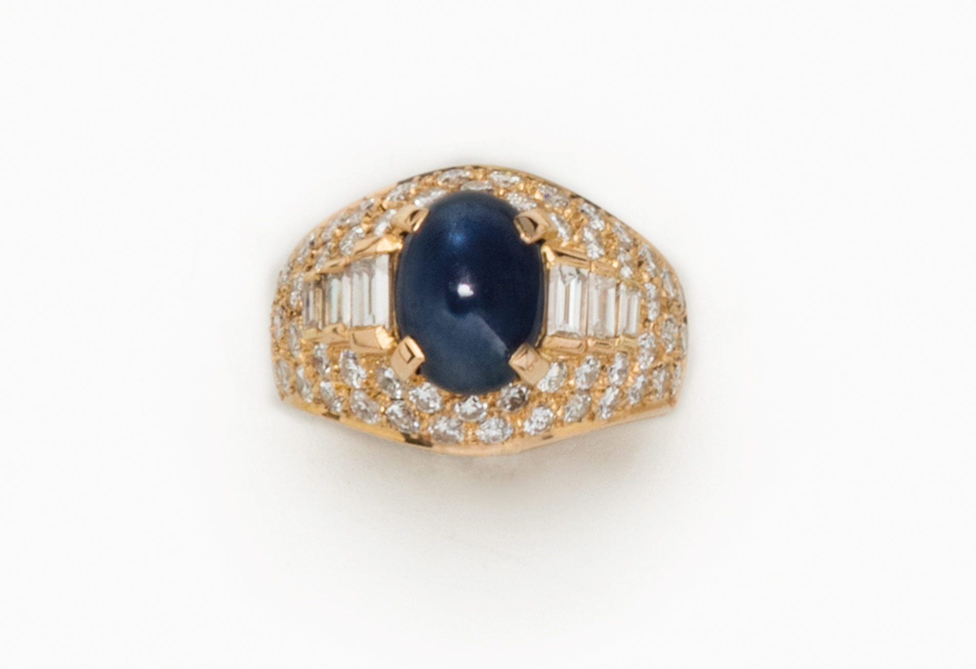 in oro, zaffiro e diamanti