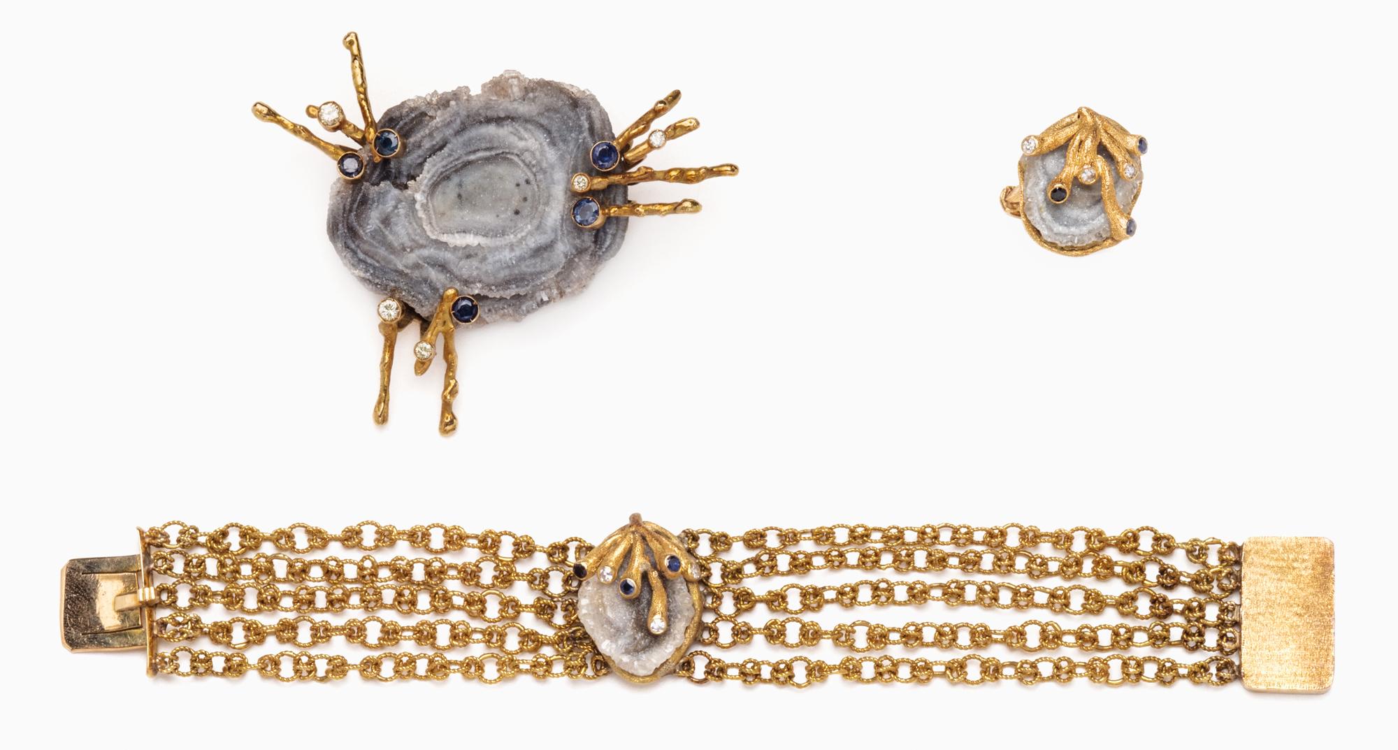 in oro, zaffiri, pietra dura e diamanti