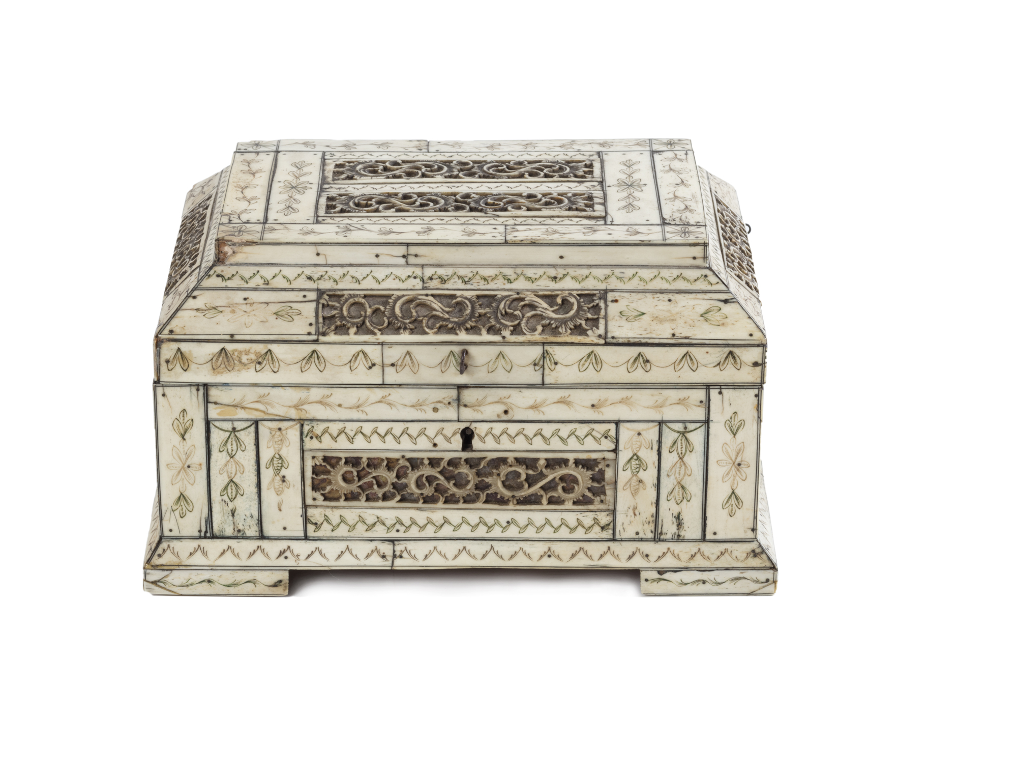 cofanetto in legno rivestito in osso da antico modello