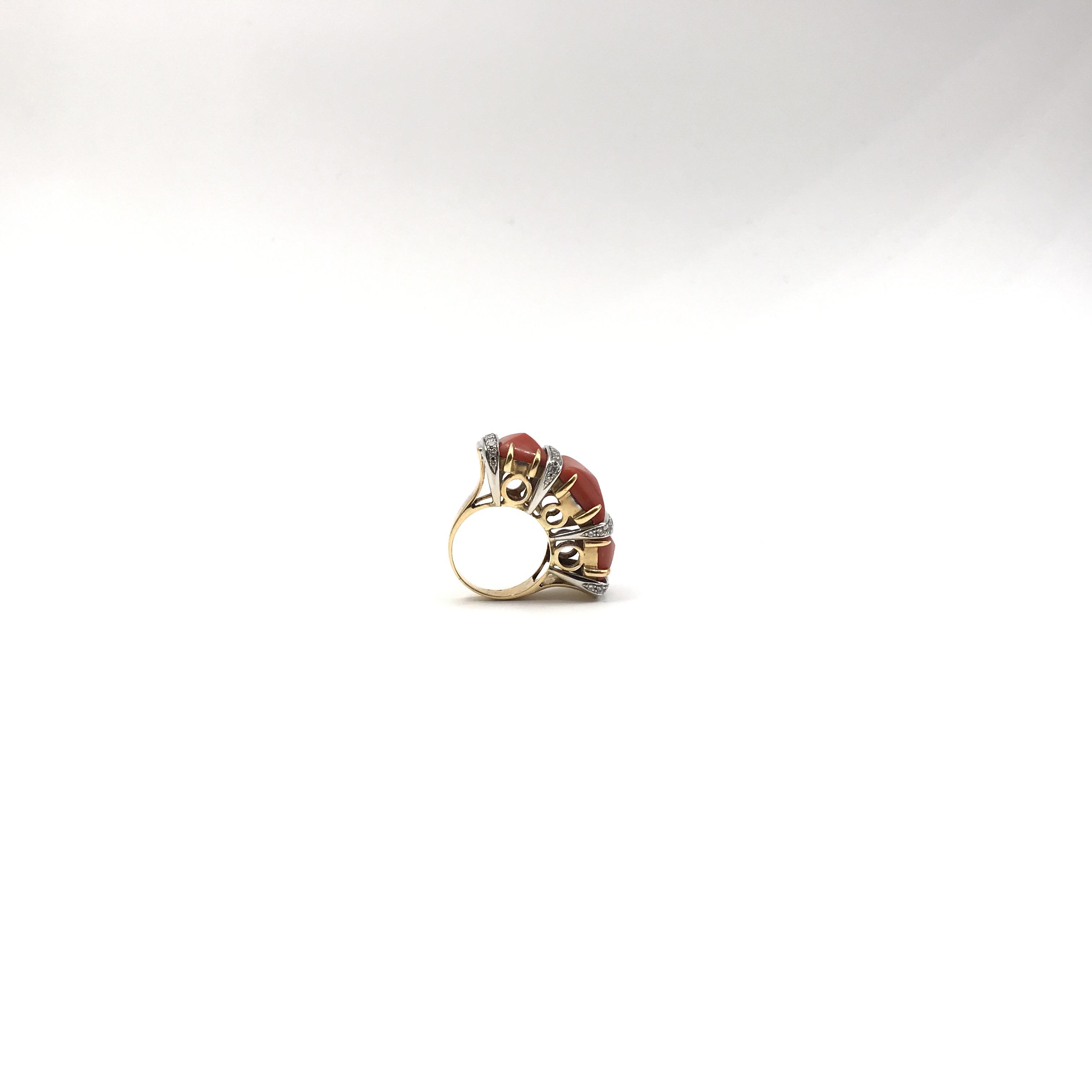 in oro bicolore 18kt, corallo e diamanti