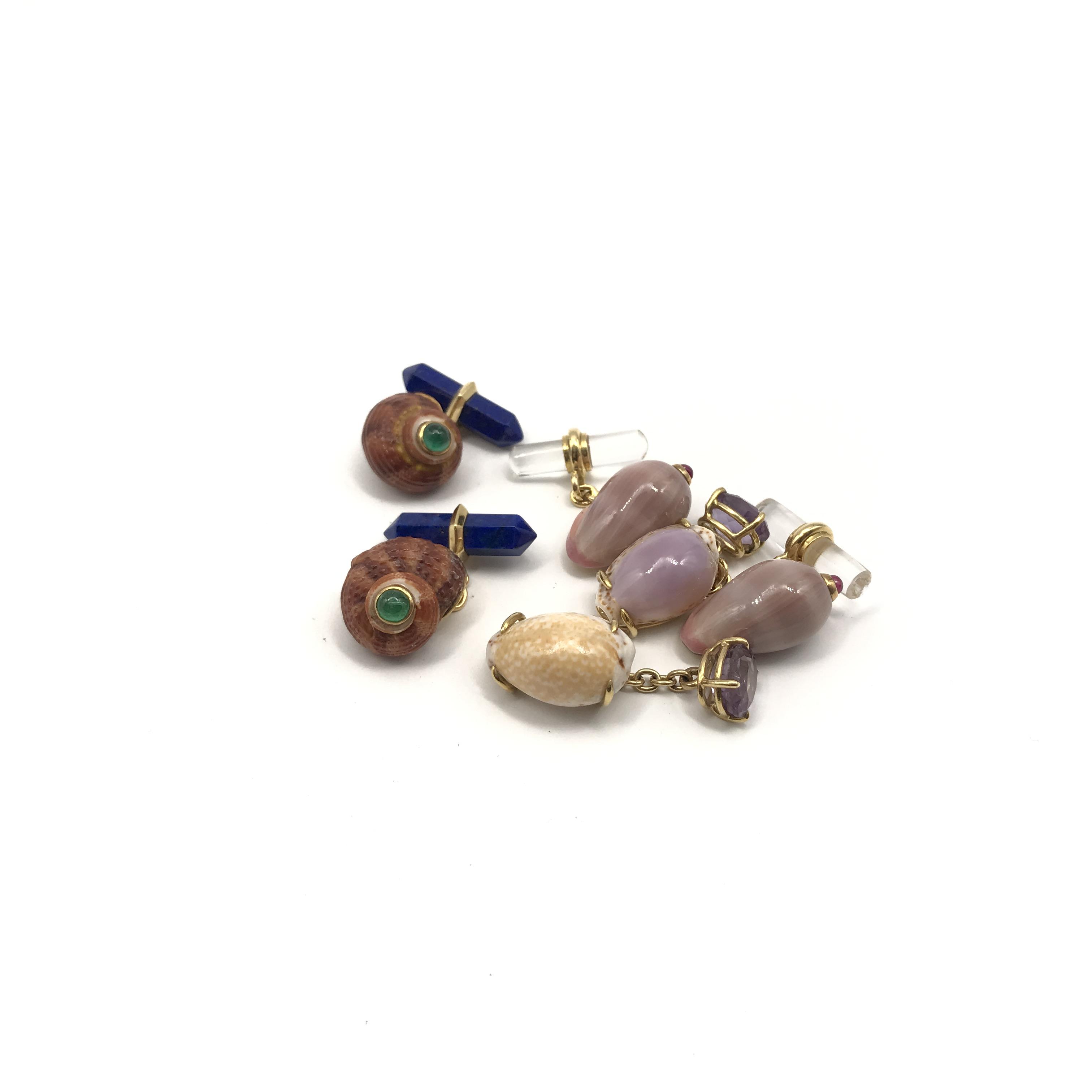 in oro 18kt, lapislazzuli, conchiglia, rubini e smeraldi