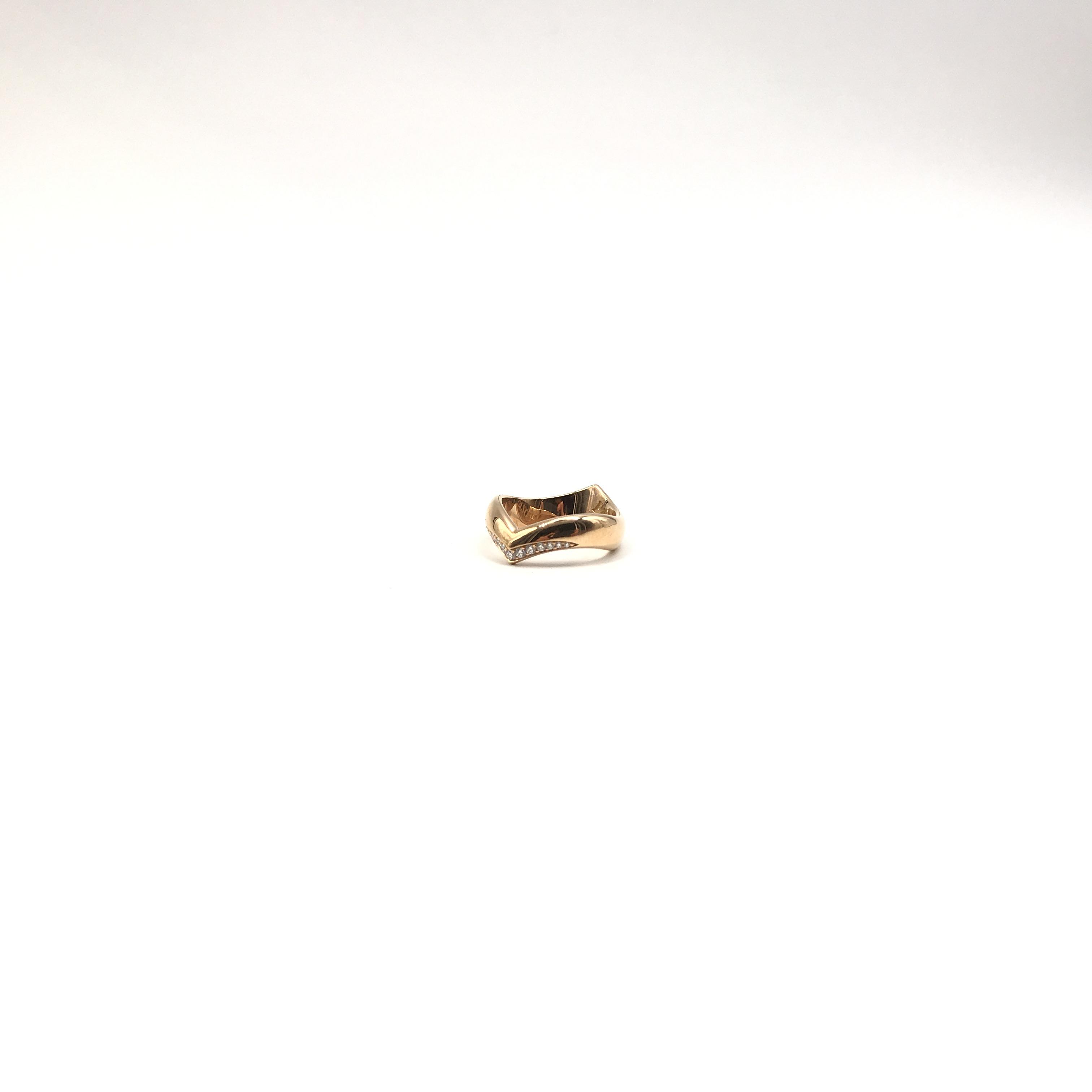 anello in oro 18kt e diamanti
