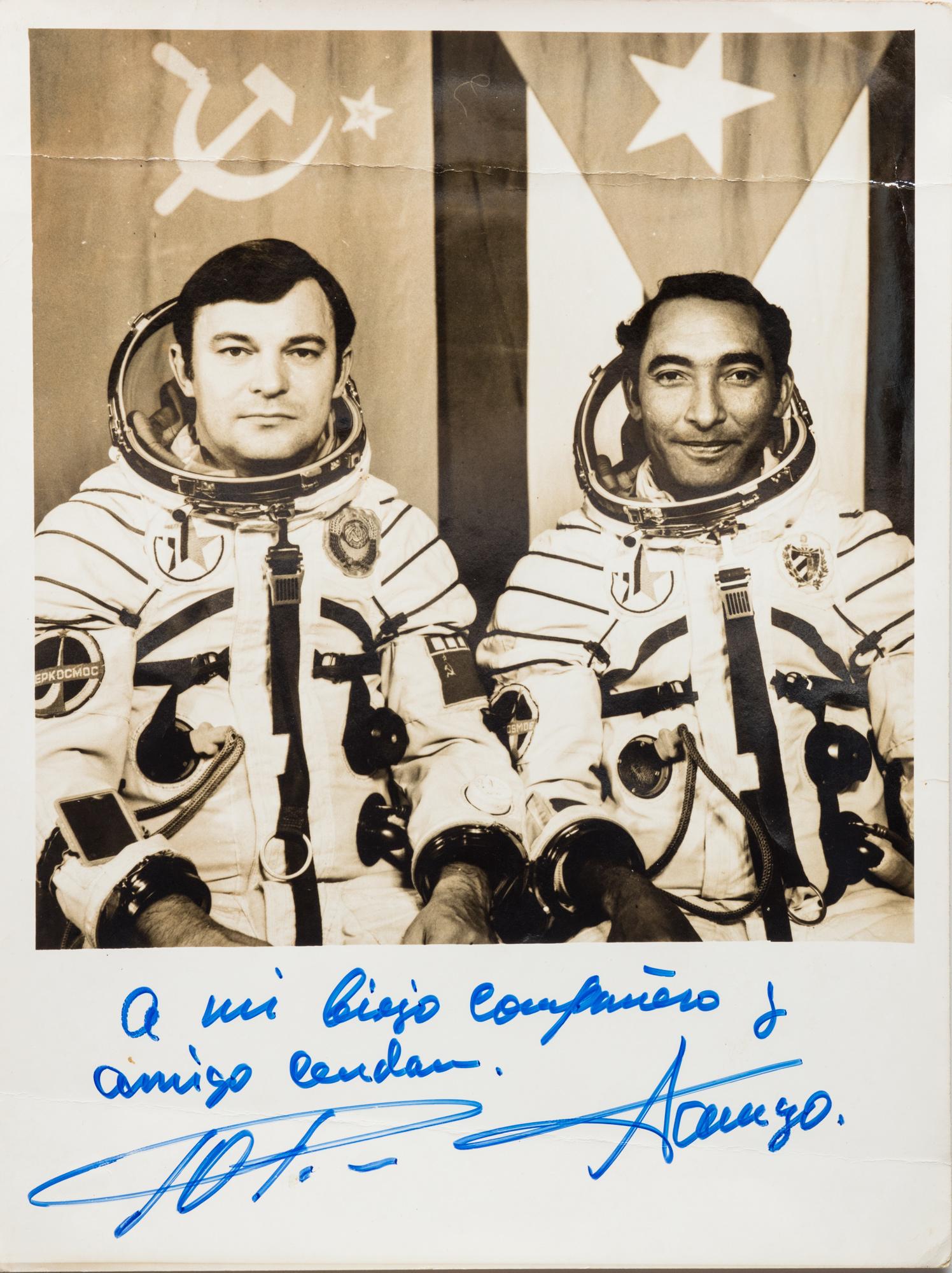 Ritratto degli astronauti Tamayo e Yuri Romanenko